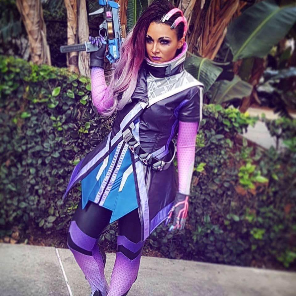 Un magnifique cosplay de Sombra par Soni Aralynn