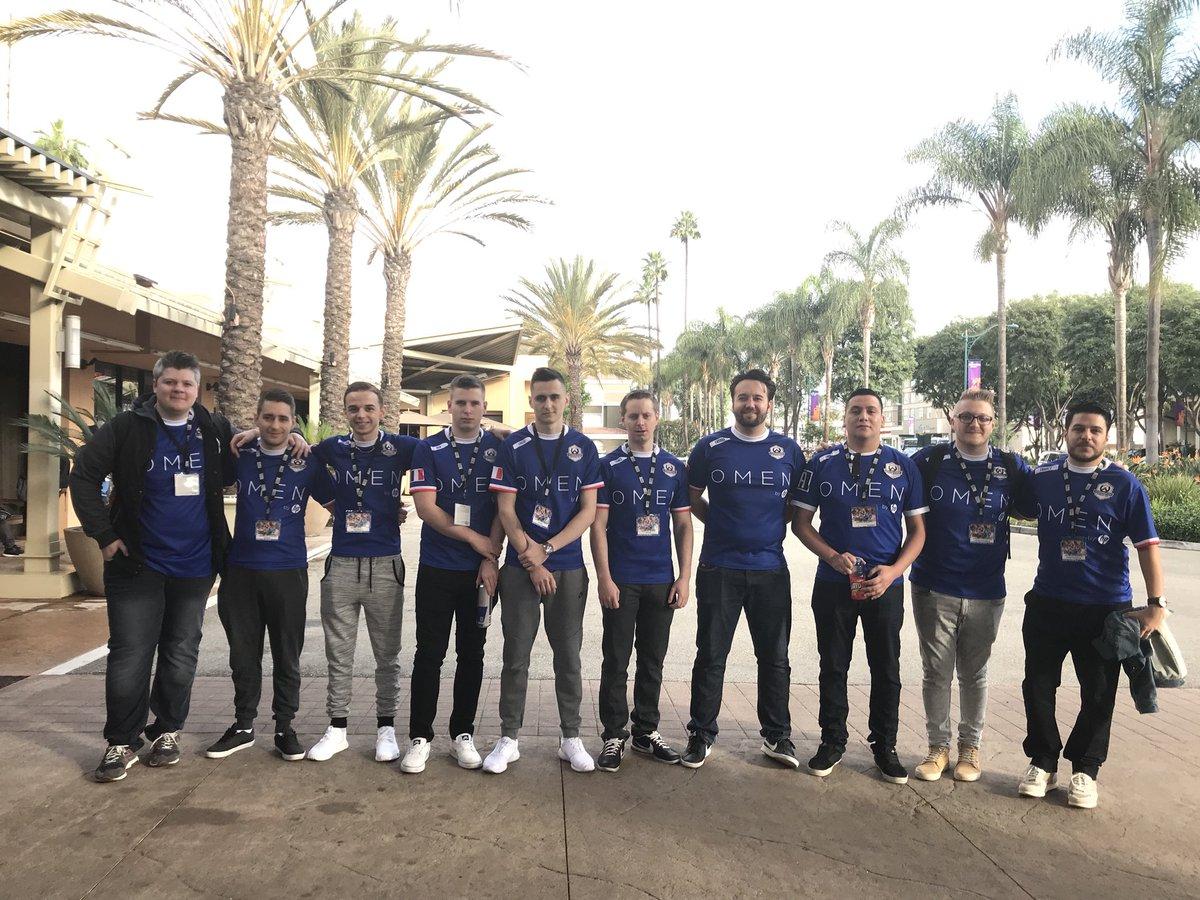 L'équipe de France et le comité français à Irvine pour l'Overwatch World Cup