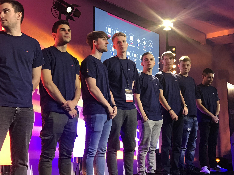 Les joueurs sur scène (photo : overwatch-world)